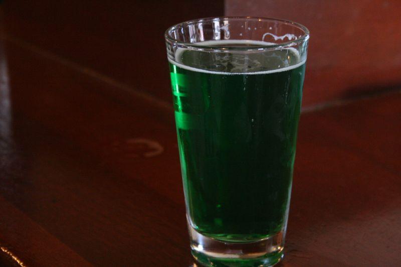 Green beer / photo: flickr.com/diamondduste (CC BY-NC-ND 2.0)