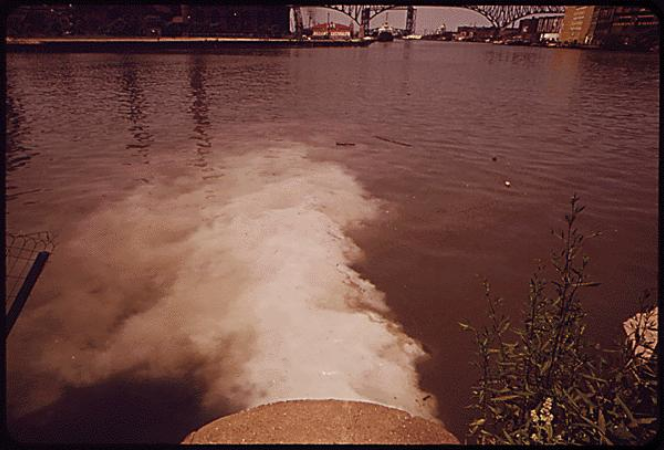 Sewage discharged into the Cuyahoga River in 1970 / photo: EPA Documerica