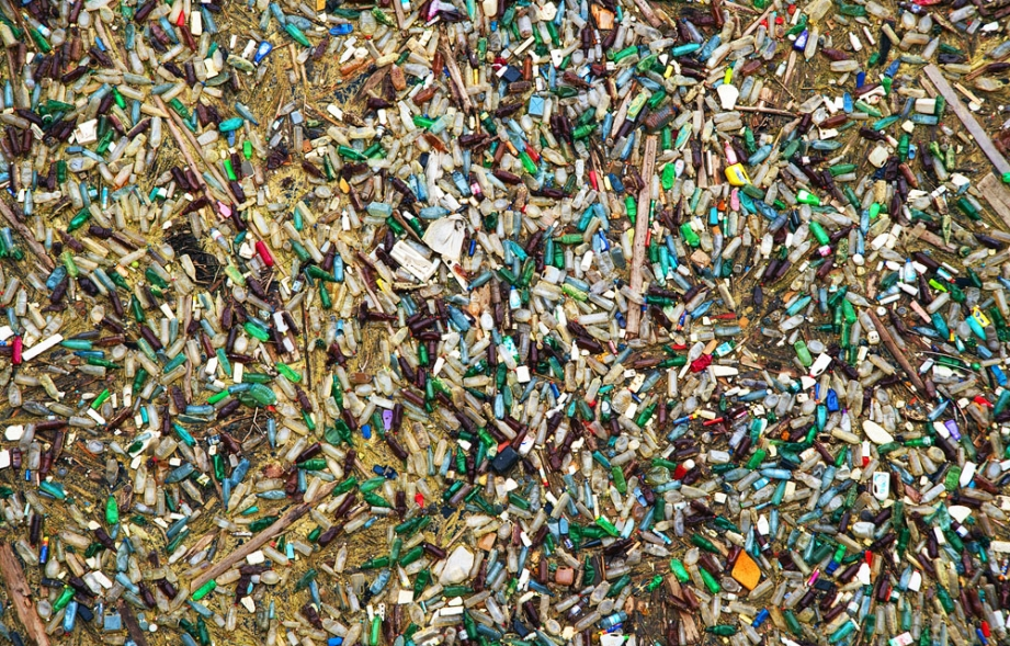 Pile of plastic waste. Photo credit: Mikadun / Shutterstock