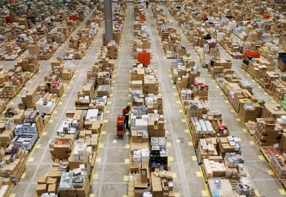 Amazon warehouse / flickr.com/evadedave  (CC BY-NC-ND 2.0)